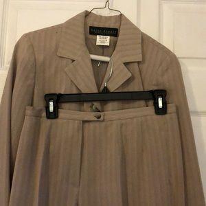 Harve Benard Pants Suit Set